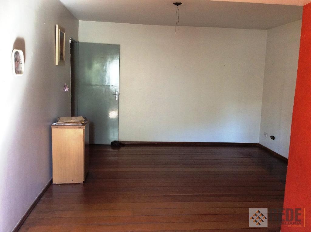 3 quartos sendo 1 suíte, completo em armários, banheiro social, com box, sala de jantar, cozinha...