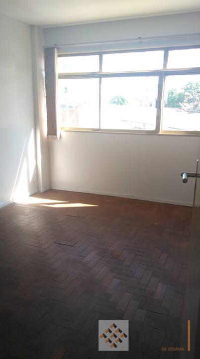02 quartos com armários, sala 2 ambientes, cozinha com armário, banheiro social, área de serviço.