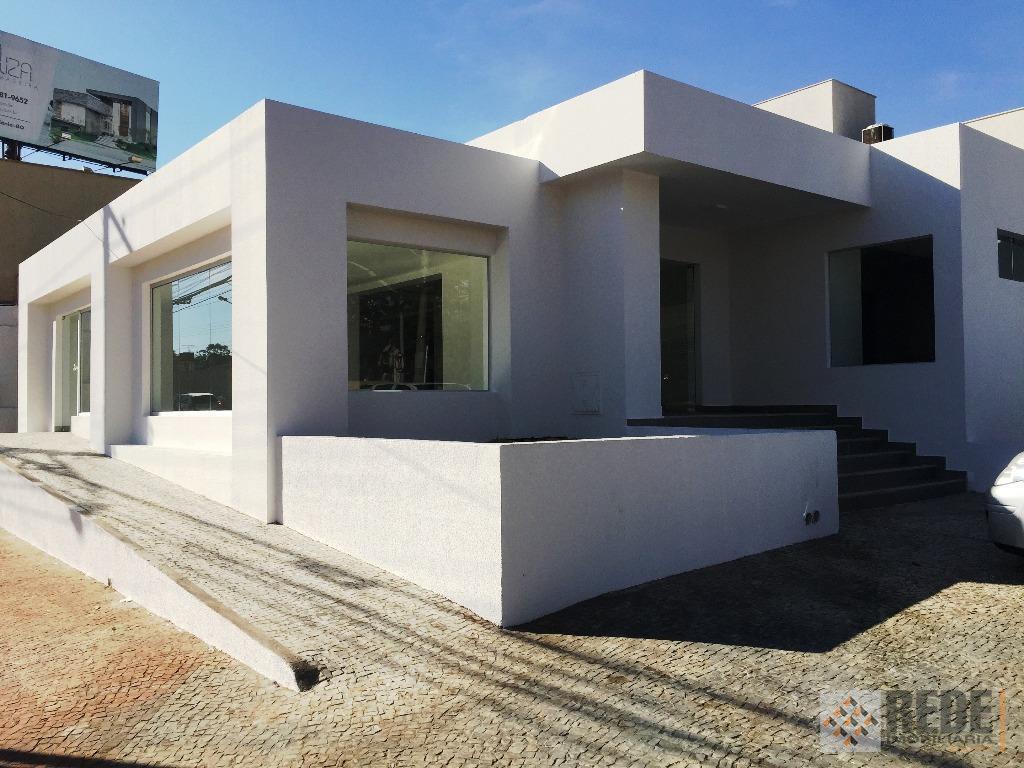 loja de esquina viva, com 340m² construídos, lote com 440m², laje, piso em porcelanato, 04 banheiros,...