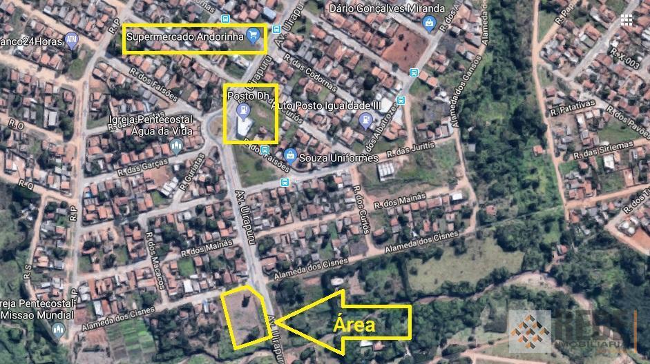 área com vocação comercial com 3.831,13 m² sendo 2.000,00 m² permitida para utilização obedecendo recuo de...
