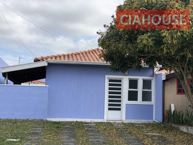 Casa em Jacareí Condomínio fechado