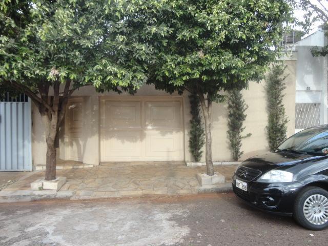 Casa residencial para locação, São Benedito, Uberaba.