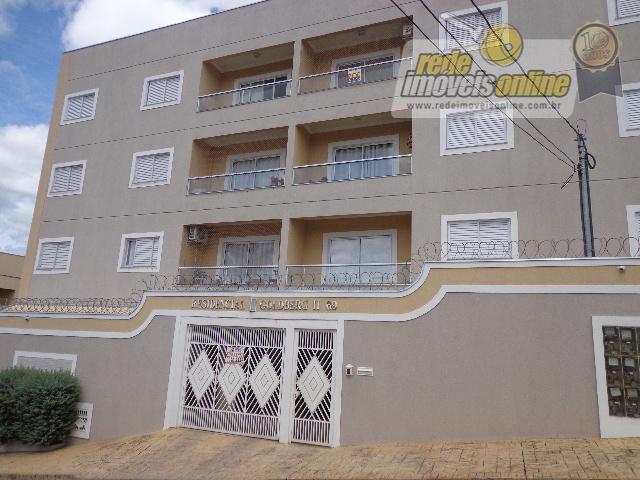 Apartamento  residencial para locação, Vila Frei Eugênio, Uberaba.