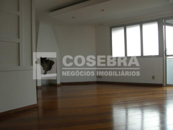 Lindo apartamento 3 suítes, 3 vagas de garagem no Campo Belo