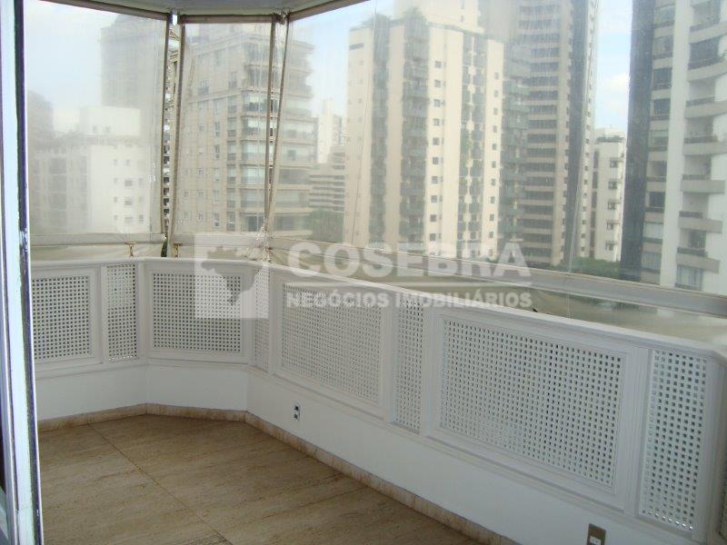 Maravilhoso apartamento na Vila Nova Conceição 03 suítes