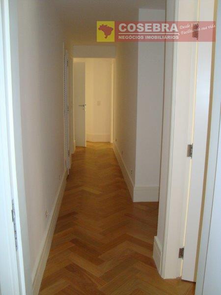 um sonho!!!! lindo apartamento, totalmente modernizado, 4 dormitórios, 3 suítes ,3 vagas de garagem. amplos ambientes...