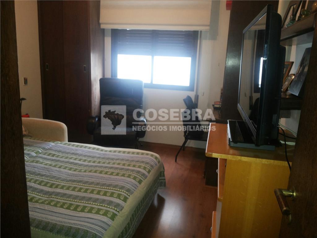 excelente apartamento com 03 suítes, espaçoso, ensolarado, andar alto, 03 vagas de garagem, localizado no coração...