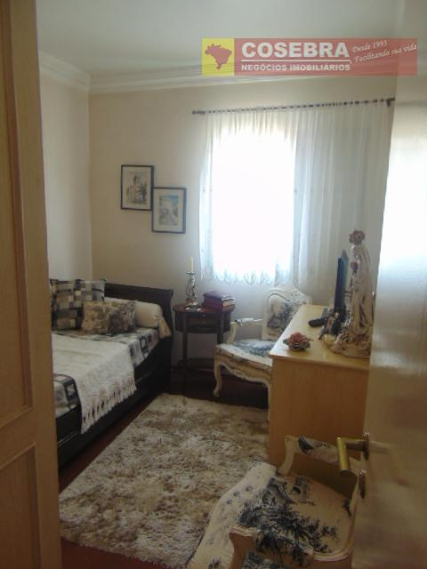 ótimo apartamento com 02 dormitórios, repleto de armários, andar alto. excelente localização, próximo à supermercados, restaurantes,...