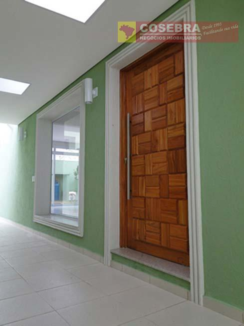 sobrado com 300m² de área construída dividida com 3 dormitórios sendo 1 suíte. sala ampla muito...