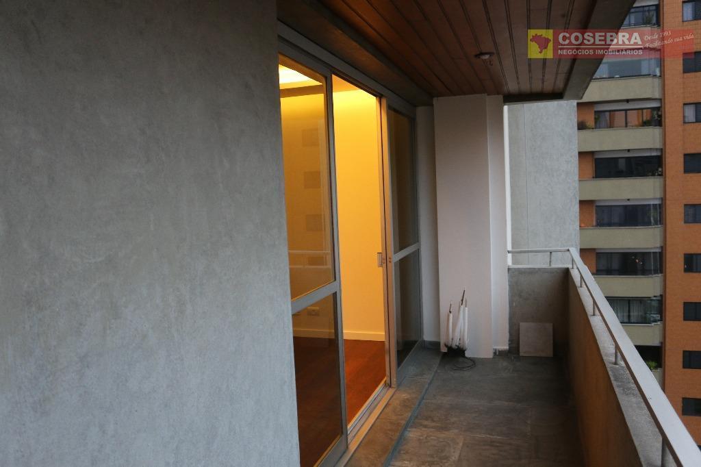 lindo apartamento 215au todo modernizado. 4 dormitórios sendo 1 suìte, ar condicionado no dormitórios.sala para 3...