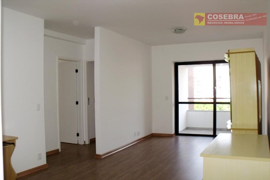 Apartamento 02 dormitórios na Rua das Fiandeiras, Vila Olímpia, São Paulo.
