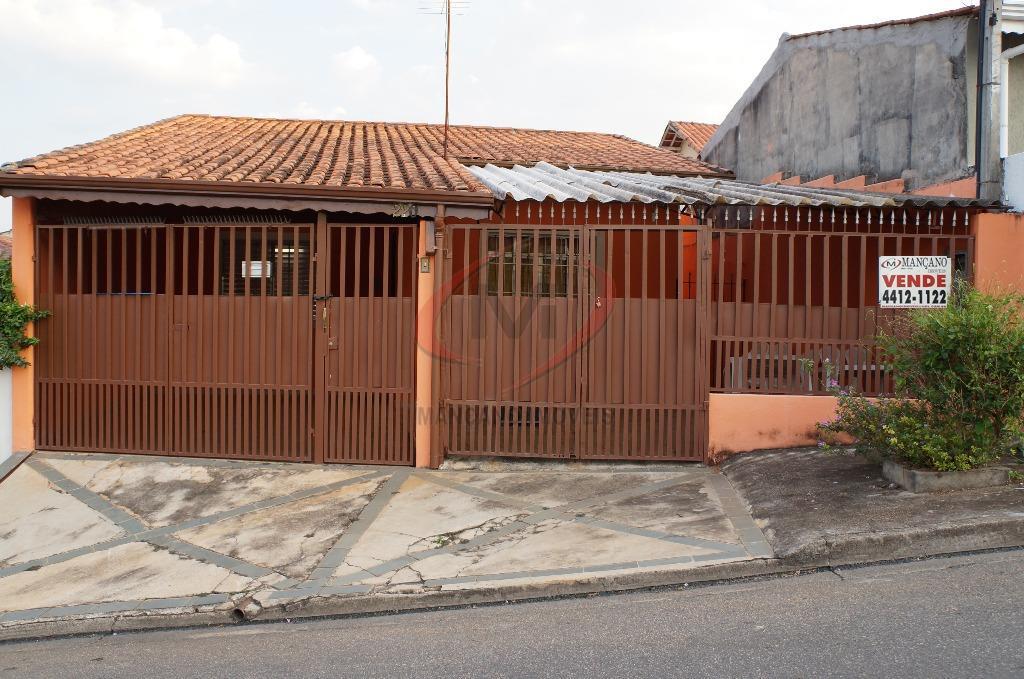Casa térrea com 2 dormitórios em boa localização  Ref. cs-668