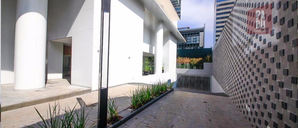 Conjunto à venda em Vila Nova Conceição, São Paulo - SP