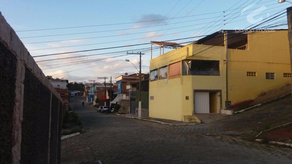 Sobrado residencial à venda, Rebourgeon, Itajubá.