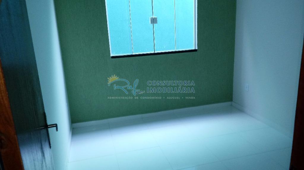 casa com área de lazer completa, composta por piscina, área de churrasqueira coberta e chuveirão, rua...