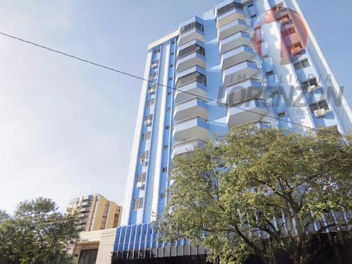Apartamento no centro com 04 quartos semi-mobiliado para locação