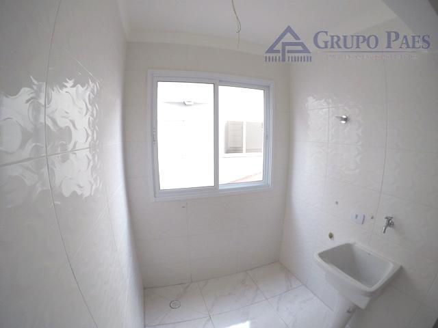 ótima oportunidade!sobrado com sistema de segurança, espaço amplo e otimizado, sendo 2 suítes, sala, cozinha, banheiro,...
