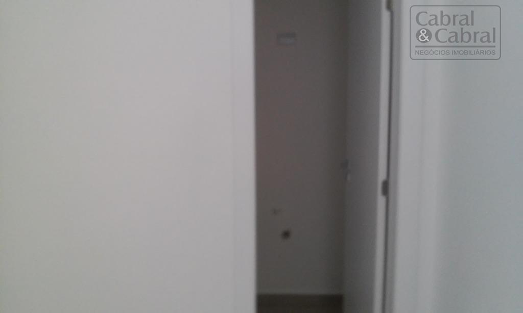 loja comercial térrea com 39,37 m² de área privativa, com 01 banheiro e 01 vaga de...