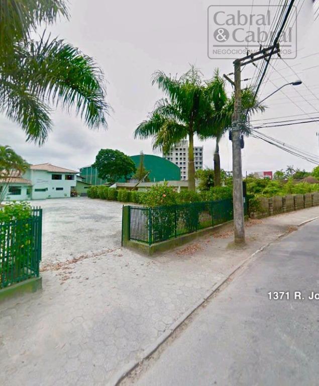 terreno com 14.956,80 m², localizado no bairro são joão, em ótima região, com 60,00 metros de...