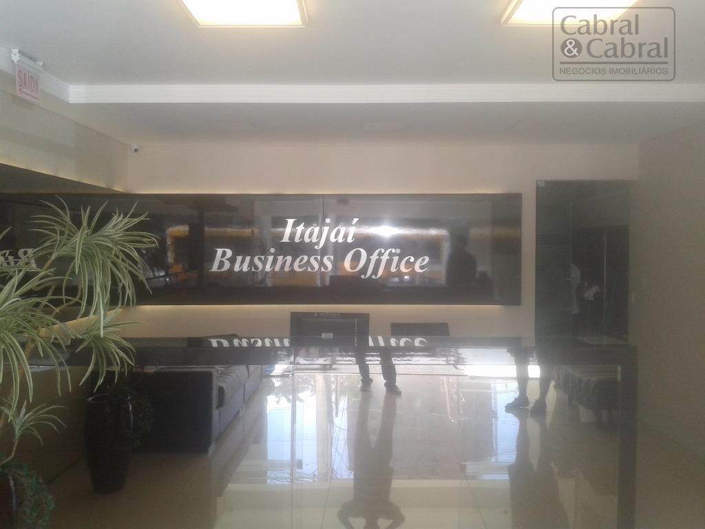 sala comercial com 50,84 m² de área privativa, com 02 banheiros, espaço para copa, janela panorâmica,...
