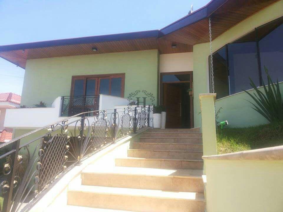 Sobrado residencial à venda, Residencial Santa Helena, Caçapava.