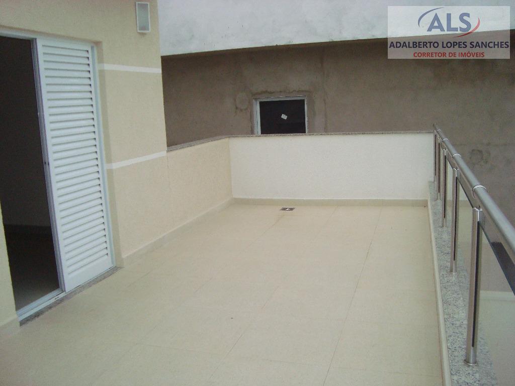 piso superior: 3 dormitórios sendo 1 suite. todos dormitórios com sacada,1 banheiro social.porcelanato nos dormitórios e...