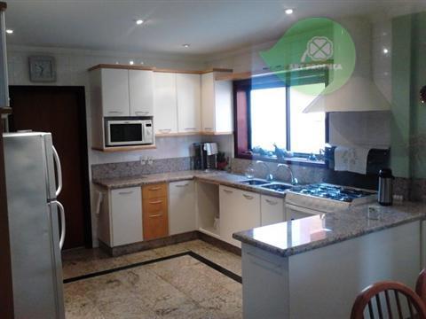 Total Imóveis - Casa 3 Dorm, Condomínio Isaura