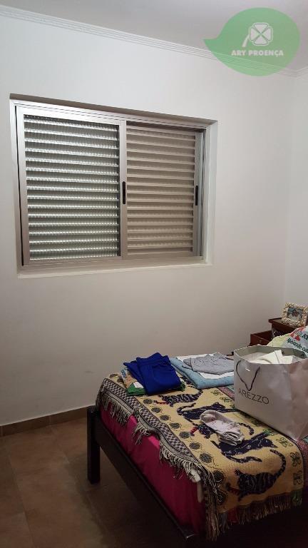 Total Imóveis - Casa 3 Dorm, Vila Angélica - Foto 6