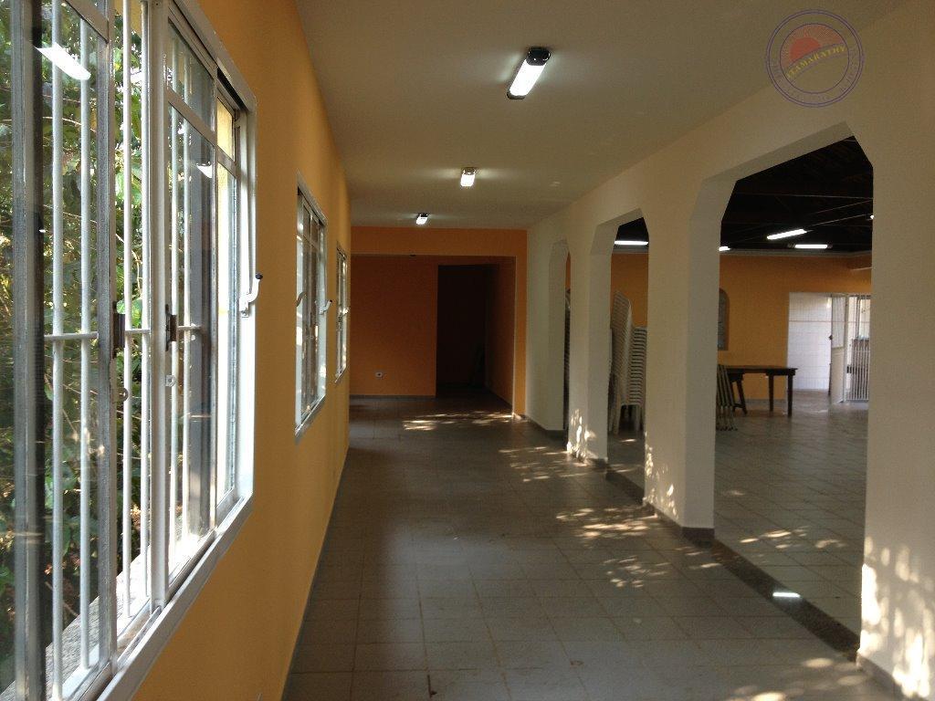 excelente oportunidade!lindo salão de festas localizado na vila carmosina. salão com 175m²/ 2 banheiros/ 1 cozinha/...