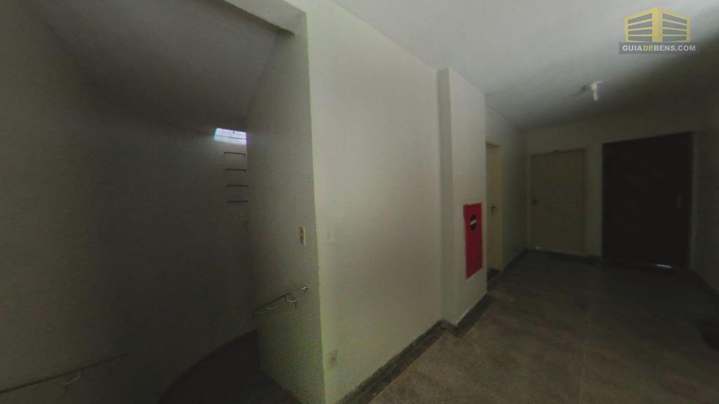 corredor e escada