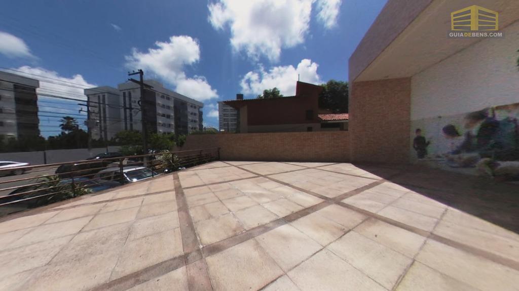 terraço com vista para rua