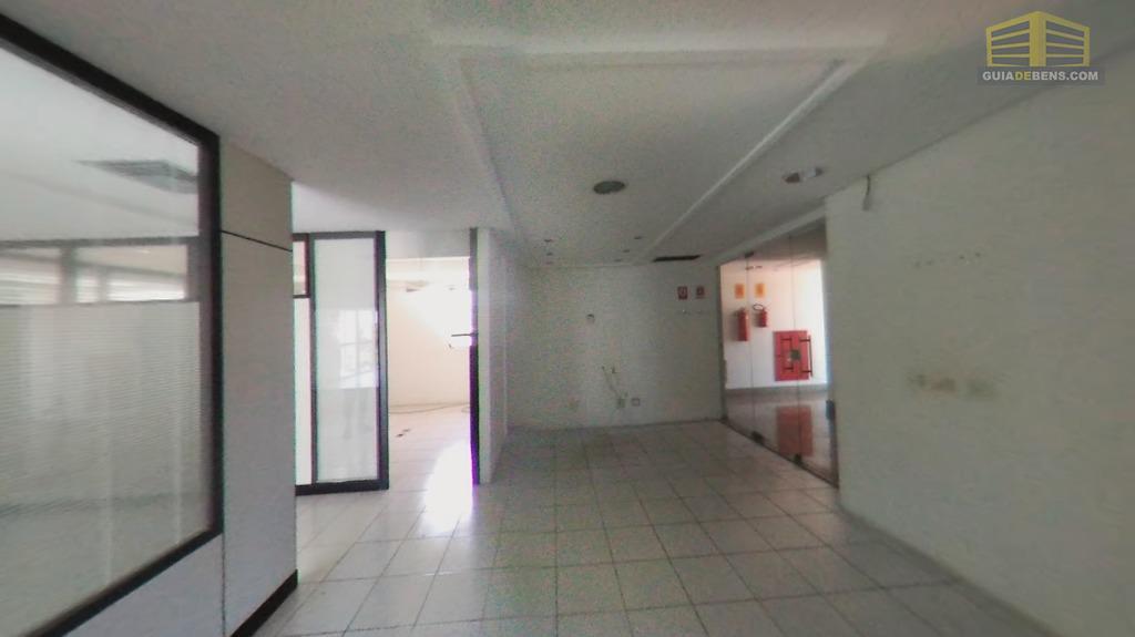 sala no 2° andar edifício empresarial candelária. rua raimundo chaves, com divisórias já instaladas, mas ajustáveis....