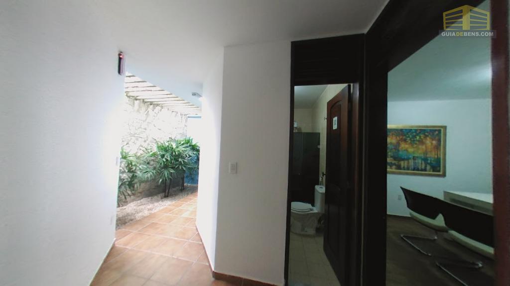 Banheiro e sala