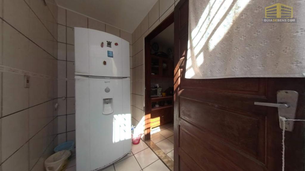 excelente casa em capim macio na rua da o unp com 3 quartos sendo uma suíte,...