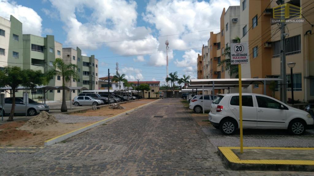 Apartamento com 2 dormitórios para alugar por R$ 650/mês