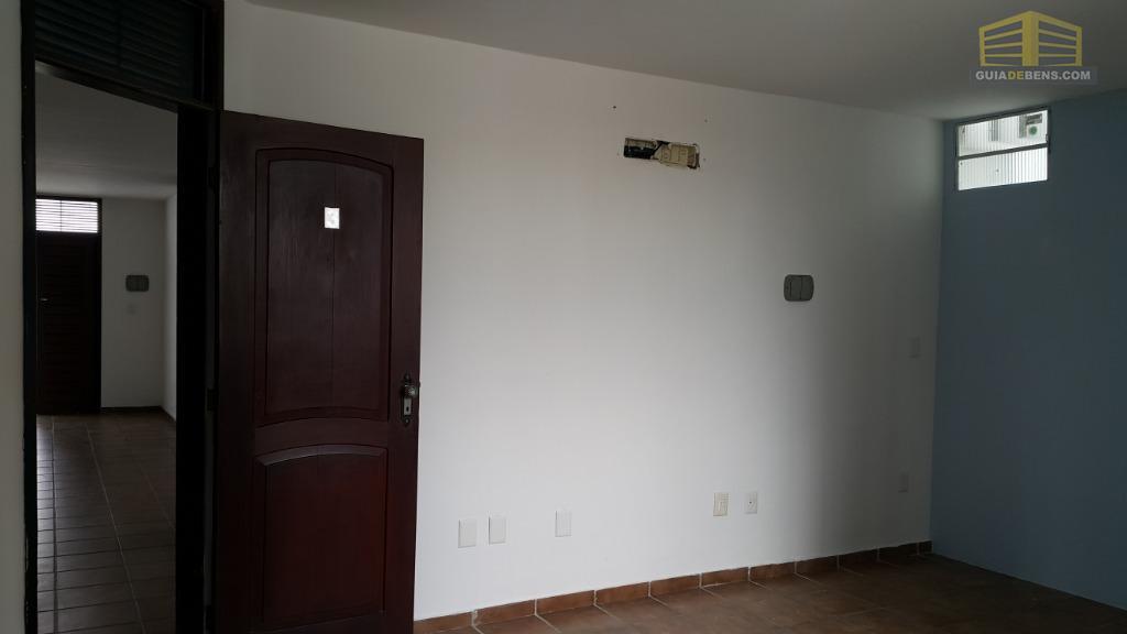 aluga-se salas com localização agradável, com área verde, estacionamento próprio e próximo avenida salgado filho, um...