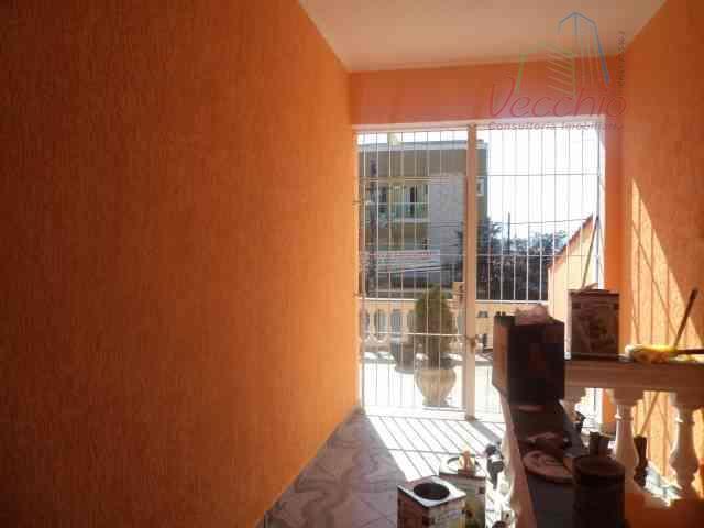 03 dormitórios, sala com dois ambientes, cozinha espaçosa, edícula nos fundos, quintal na lateral e 04...