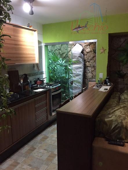 sobrado em condomínio, 02 dormitórios com suite e closed, todo com moveis planejados. divisa com são...