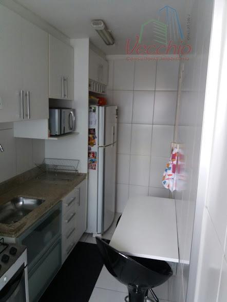 02 dormitórios, sala com 02 ambientes, cozinha, banheiro social, área de serviço, 01 vaga garagem. condomínio...
