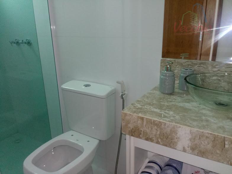 lindo apto. decorado com luz de led, torneiras com água quente, aquecedor, 02 dormitórios, suite, sacada,...