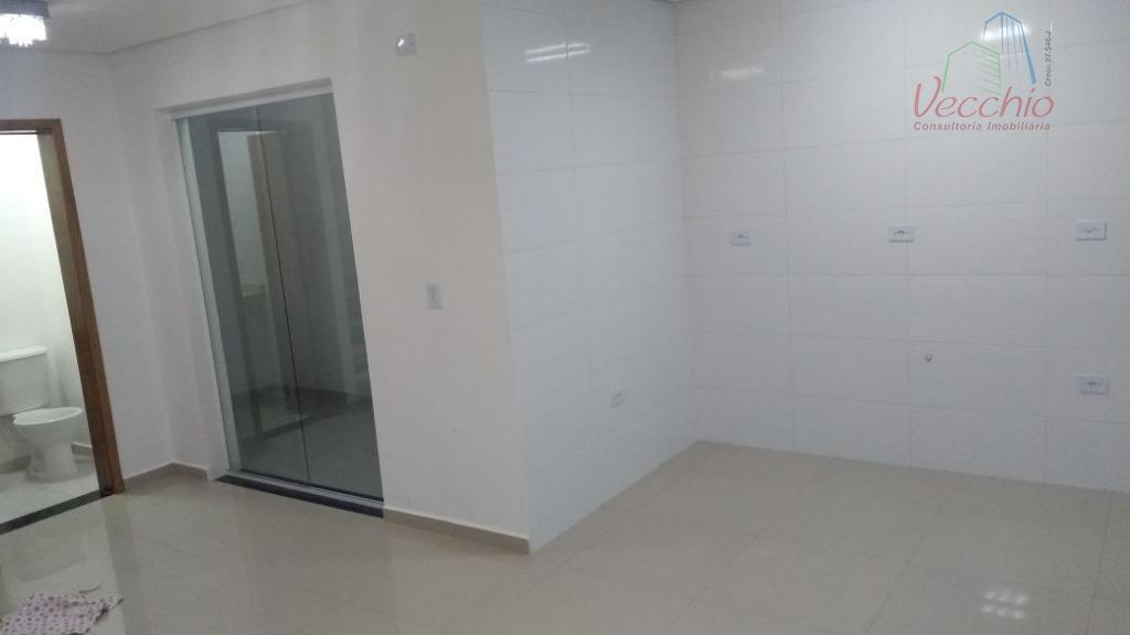 sobrado novo com 02 suítes, sala ampla, cozinha, área de serviço, 02 vagas de garagem. ótimo...