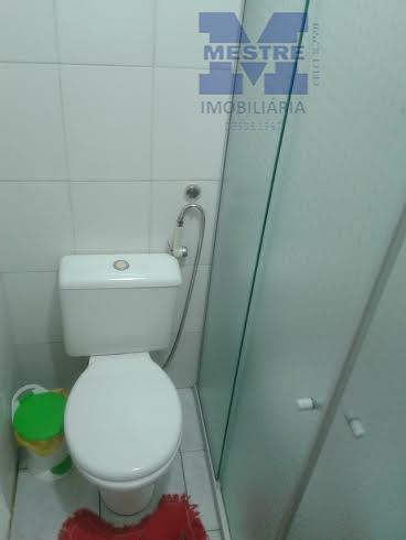 sobrado com 03 dormitórios sendo 01 suite, sala, cozinha, wc social, e wc comum área de...