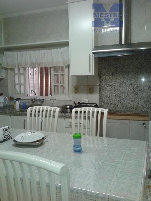 03 dormitórios sendo 01 suíte master com terraço, sótão, wc social, sala 02 ambientes, lavabo, cozinha,...