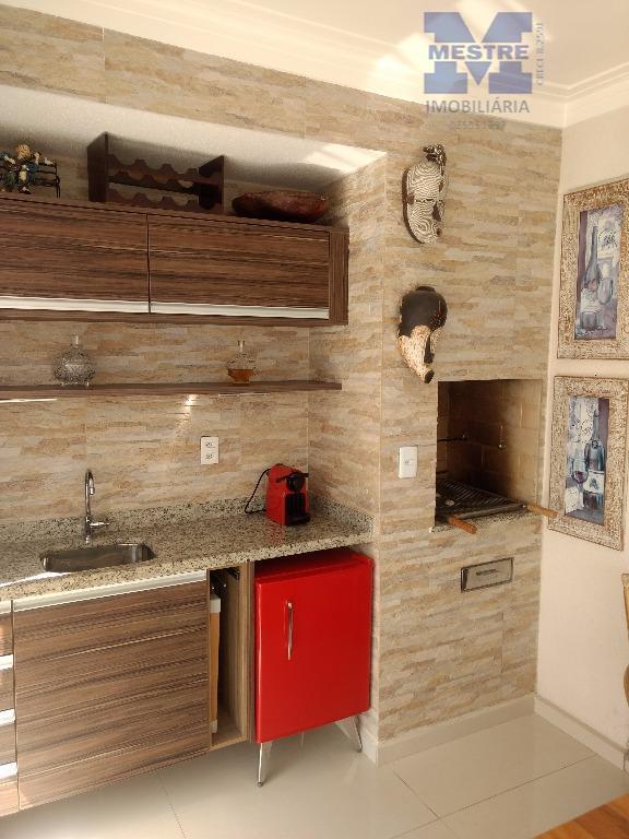 apartamento 100% decorado, com armários planejados em todos os ambientes. sala de jantar, sala de estar,...