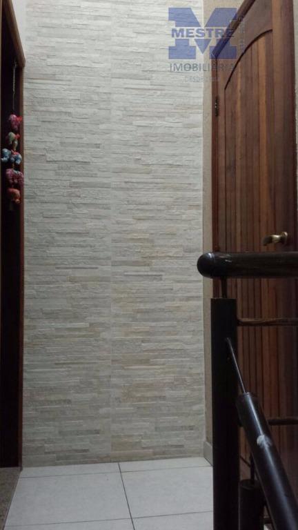 sobrado 03 dormitórios, sendo 01 suíte, sala, 02 ambientes, cozinha ampla com armários, tudo piso frio,...