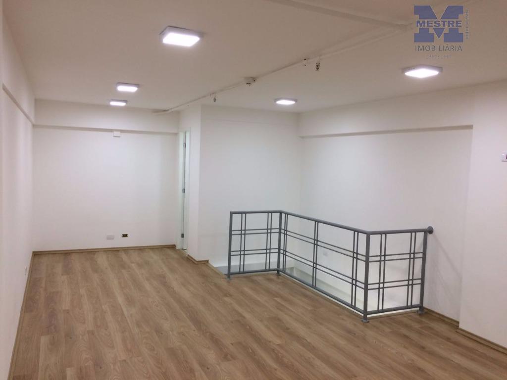 sala duplex com aproximadamente 65m2 de área útil, 02 wcs, disposicão para copa, infraestrutura para ar...