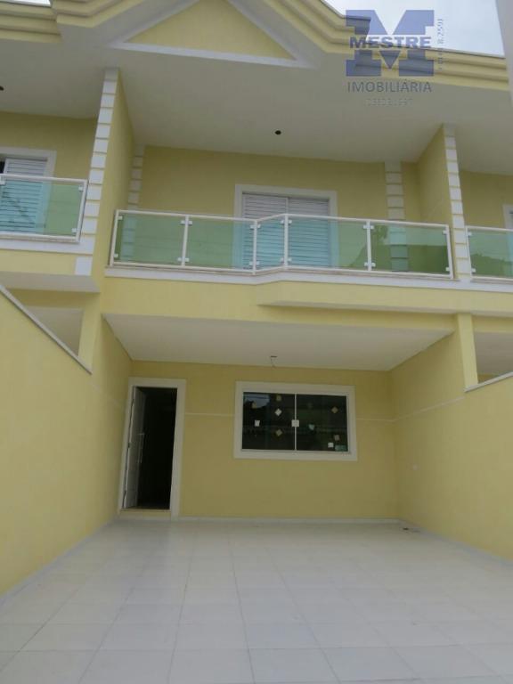 sobrados lindos, novos a venda; 03 suítes, 02 salas, escada em mármore, no centro dividindo os...