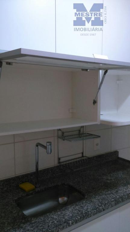 apartamento 02 dormitórios, sendo 01 suíte, sala com moldura em gesso e iluminação, sacada com churrasqueira...