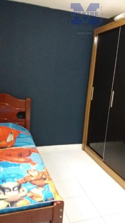 sobrado, 02 dormitórios, sala, cozinha, 01 lavabo, 01 wc, corredor lateral, 02 vagas de garagem, coberta....