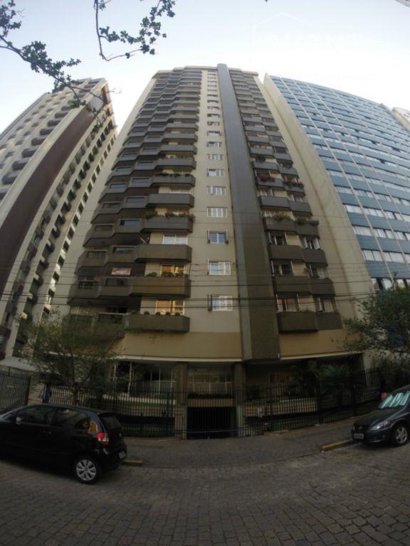 Apartamento 19º andar, com 4 dorms e 2 suítes. Bairro Água Verde, Curitiba.